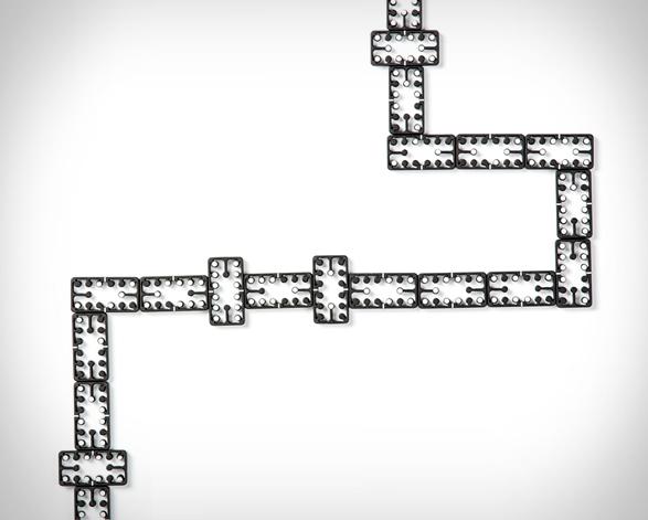 edge-dominos-4.jpg   Image