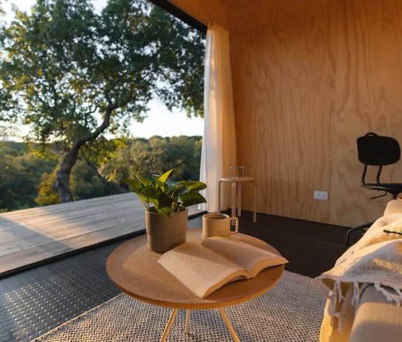 elsewhere-cabin-retreat-6.jpg