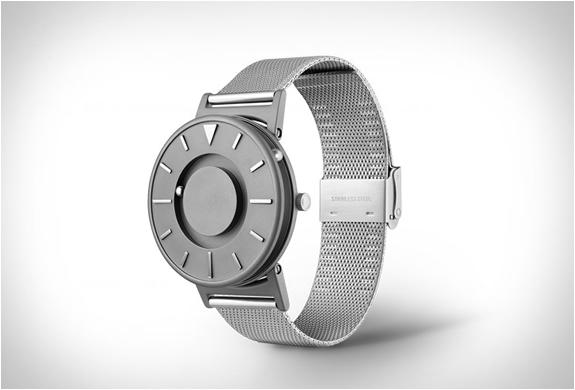eone-bradley-watch-3.jpg | Image