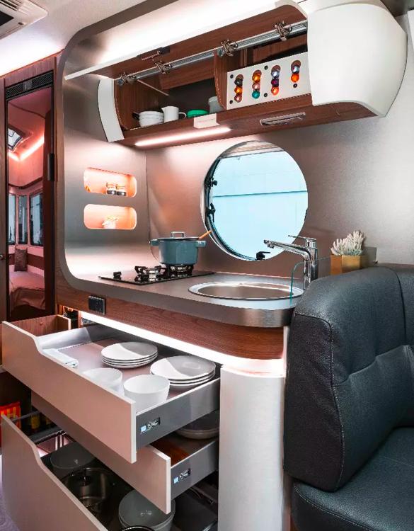 eriba-touring-820-caravan-6.jpg