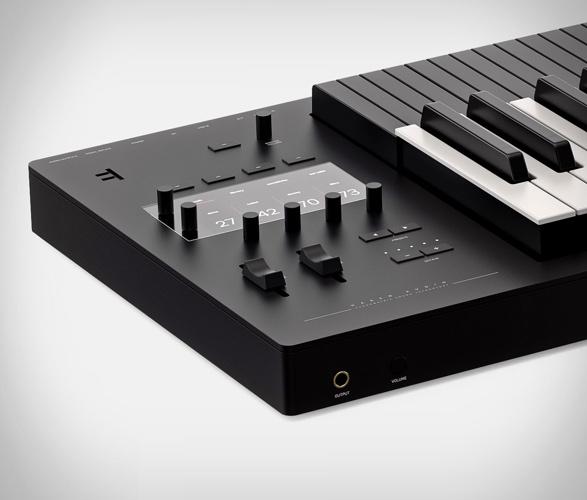 expressive-e-osmose-keyboard-3.jpg | Image