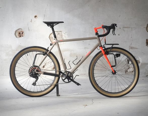 fern-chuck-touring-bike-3.jpg   Image