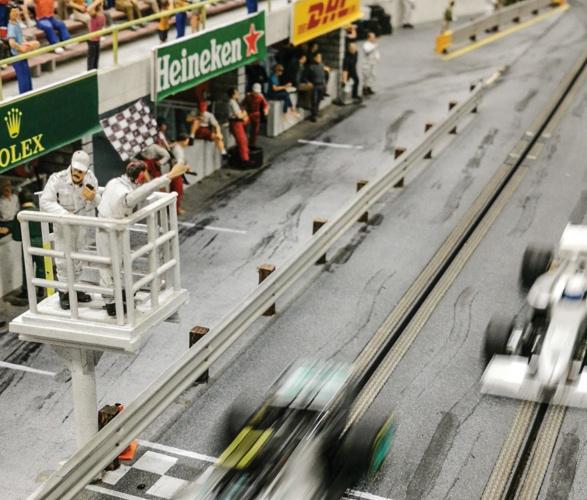 formula-1_slot-car-racetrack-10.jpg