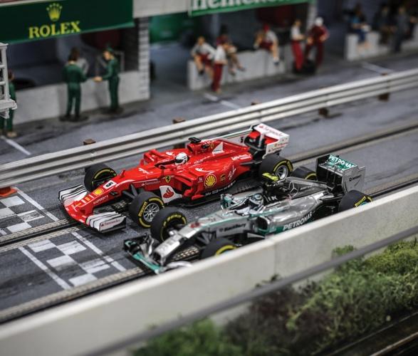 formula-1_slot-car-racetrack-3.jpg | Image