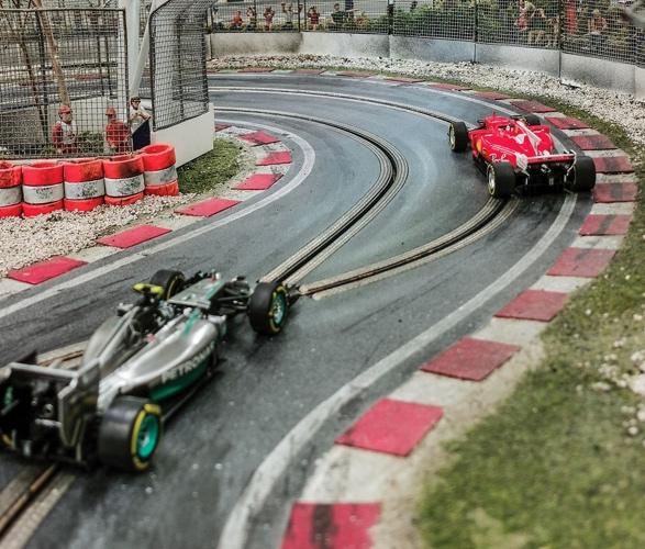 formula-1_slot-car-racetrack-4.jpg | Image