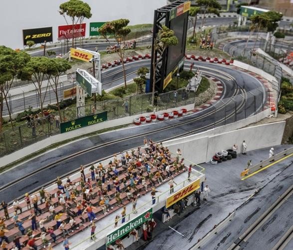formula-1_slot-car-racetrack-6.jpg