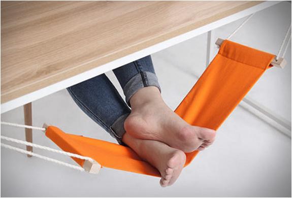 fuut-under-desk-foot-hammock-2.jpg | Image