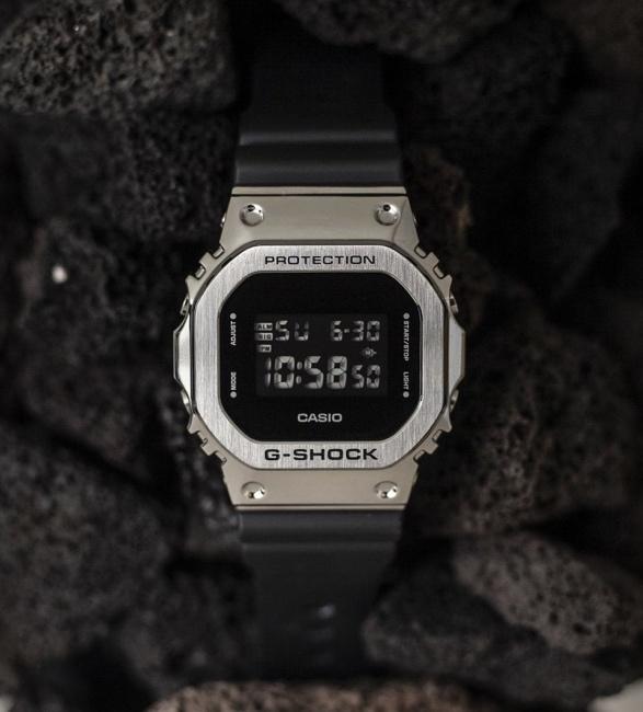 g-shock-gm-5600-metal-bezel-watch-2.jpg | Image