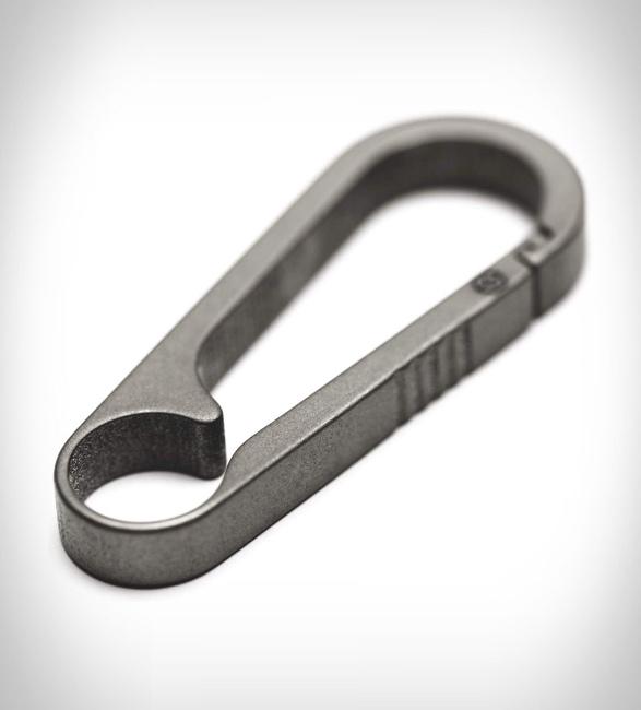 g2-titanium-carabiner-keychain-2.jpg | Image