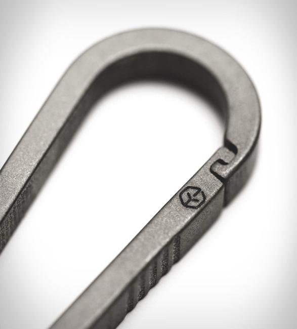 g2-titanium-carabiner-keychain-3.jpg | Image