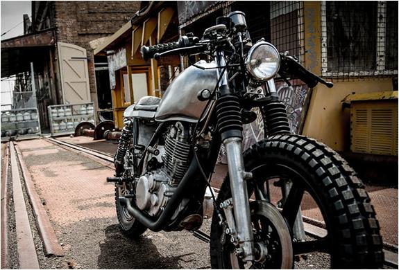 gasoline-custom-motorcycles-yamaha-sr400-7.jpg
