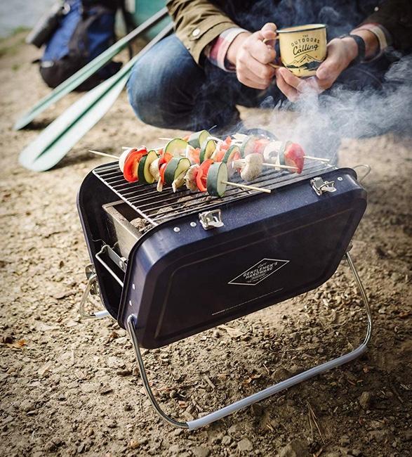 gentlemen-hardware-portable-barbecue-5.jpg | Image