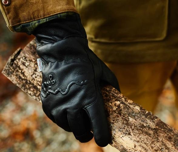 giver-4-season-glove-3.jpg | Image
