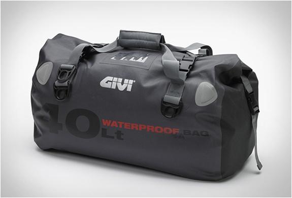 givi-waterproof-motorcycle-bags-2.jpg | Image