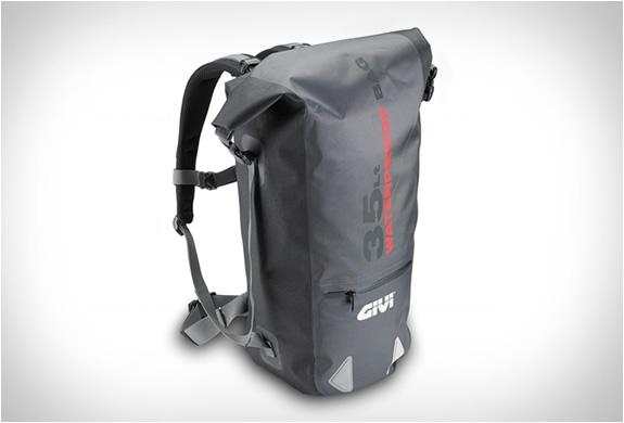 givi-waterproof-motorcycle-bags-4.jpg | Image