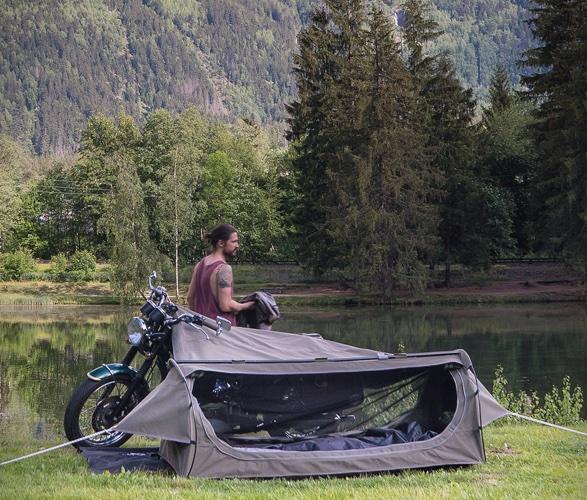 goose-motorcycle-tent-4.jpg
