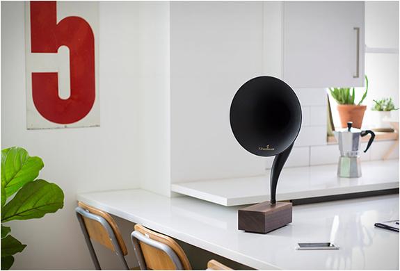 gramophone2-6.jpg