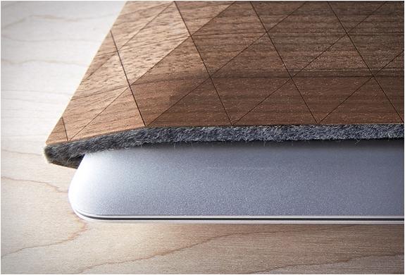 groovemade-wood-sleeves-6.jpg