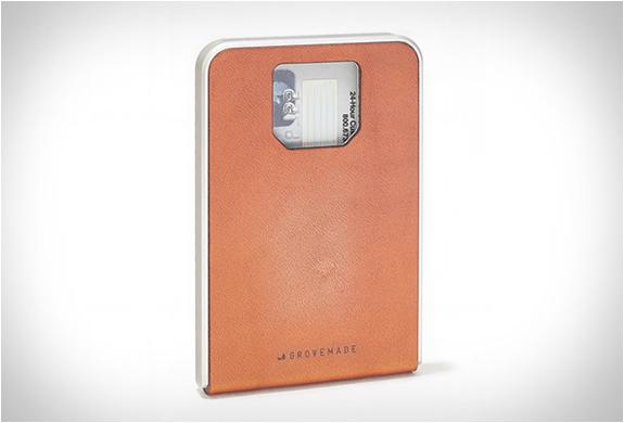 grovemade-minimalist-wallet-6.jpg