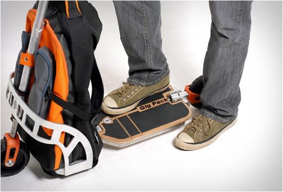 gustavo-brenck-scooter-backpack-4.jpg | Image