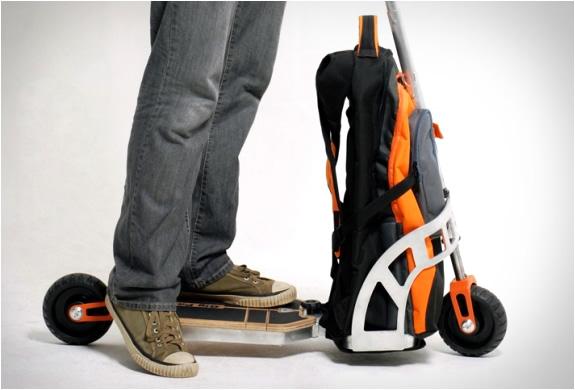 gustavo-brenck-scooter-backpack-5.jpg | Image