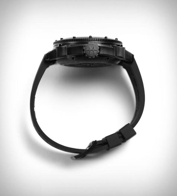 hamilton-khaki-belowzero-watch-2.jpg | Image