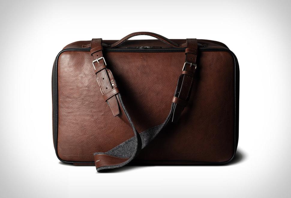Hardgraft Carry On Suitcase | Image