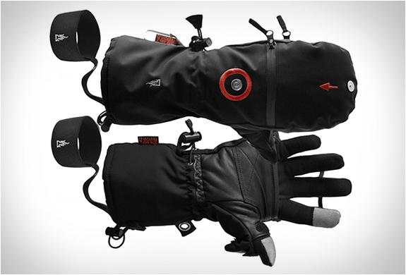 heat-3-smart-gloves-7.jpg
