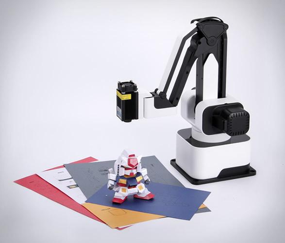 hexbot-desktop-robotic-arm-2.jpg | Image