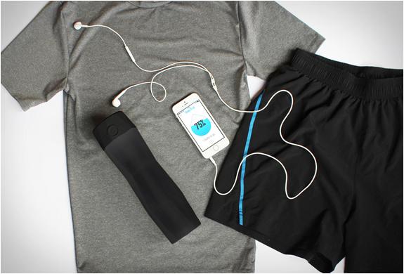 hidrateme-smart-water-bottle-4.jpg   Image