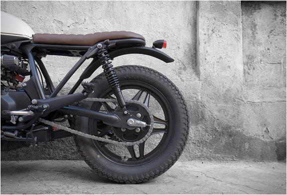 honda-crd-11-black-cream-cdr-motorcycles-2.jpg   Image