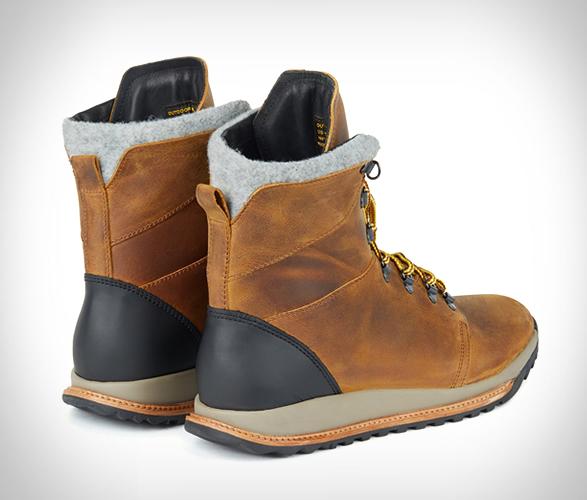 hood-rubber-boots-4.jpg   Image