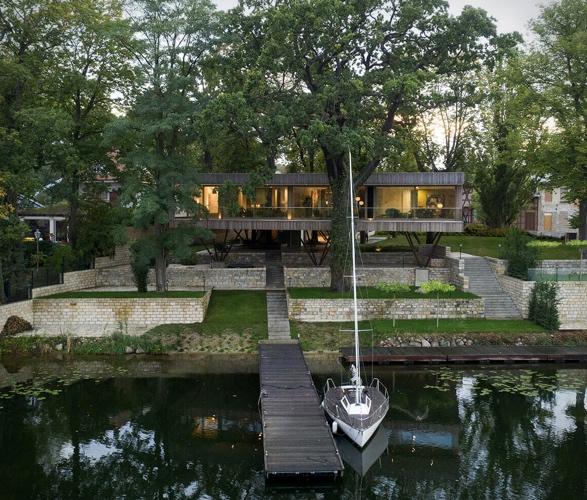 house-by-the-lake-10.jpg