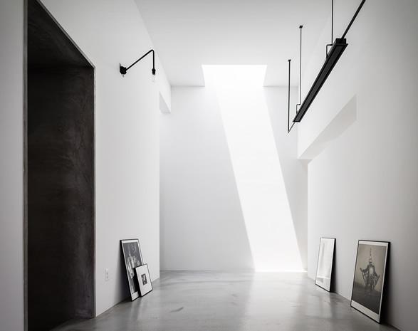 house-for-a-photographer-6.jpg