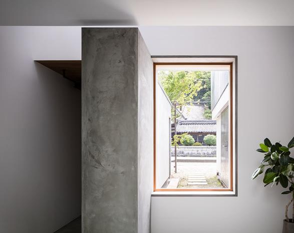 house-for-a-photographer-7.jpg