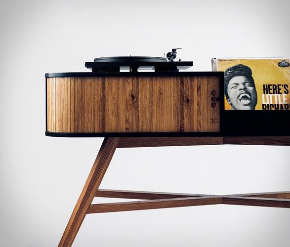 hrdl-vinyl-table-2.jpg | Image