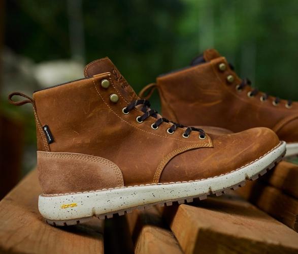 huckberry-danner-logger-917-boots-6.jpg