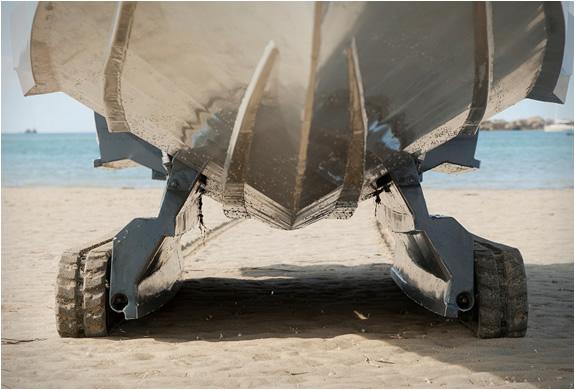 iguana-29-ground-boat-5.jpg | Image