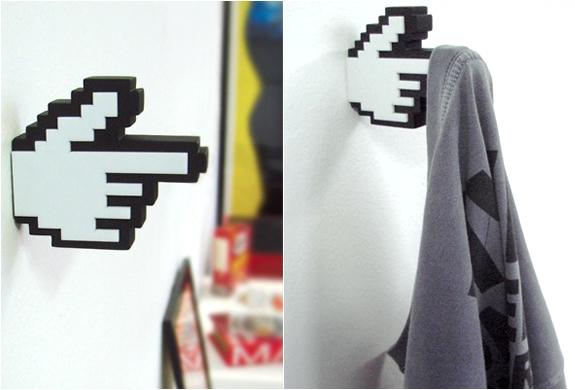 8-bit Hanger | By Meninos | Image
