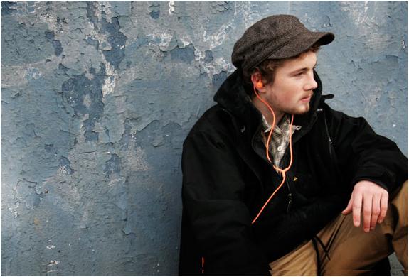 img_aiaiai_swirl_earphones_3.jpg | Image