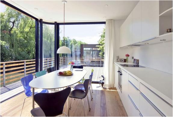 amazing houseboat. Black Bedroom Furniture Sets. Home Design Ideas