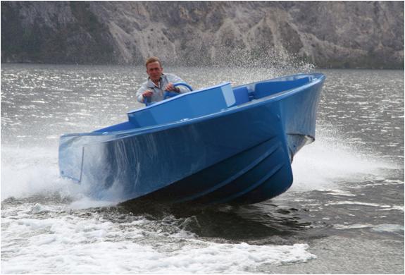 img_blue_boat_3.jpg | Image