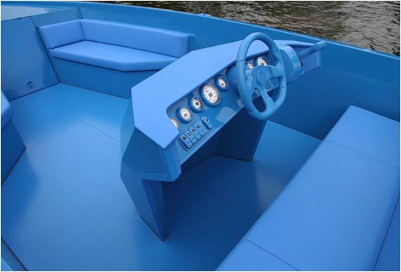 img_blue_boat_4.jpg | Image
