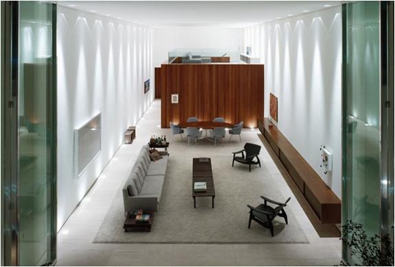 Casa Corten | By Marcio Kogan | Image