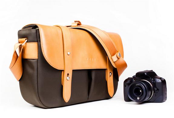 img_classic_leather_camera_bag_2.jpg | Image