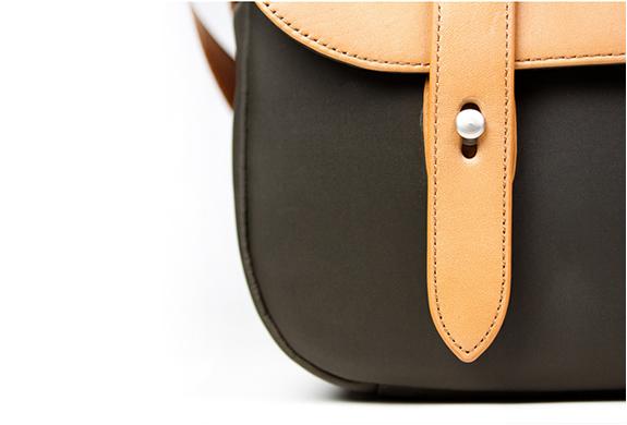 img_classic_leather_camera_bag_5.jpg | Image