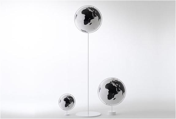 img_corona_globes_1.jpg | Image