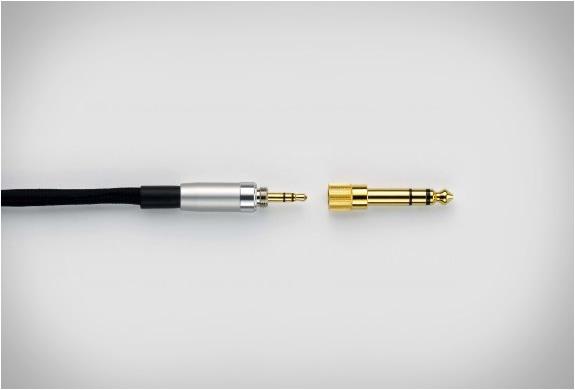 img_denon_ah_d7000_headphones_4.jpg | Image