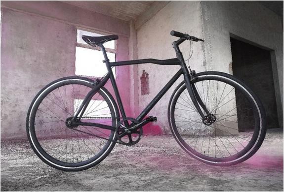 img_diesel_pinarello_bike_2.jpg | Image