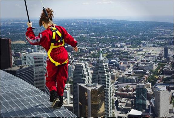 Edge Walk Cn Tower Toronto